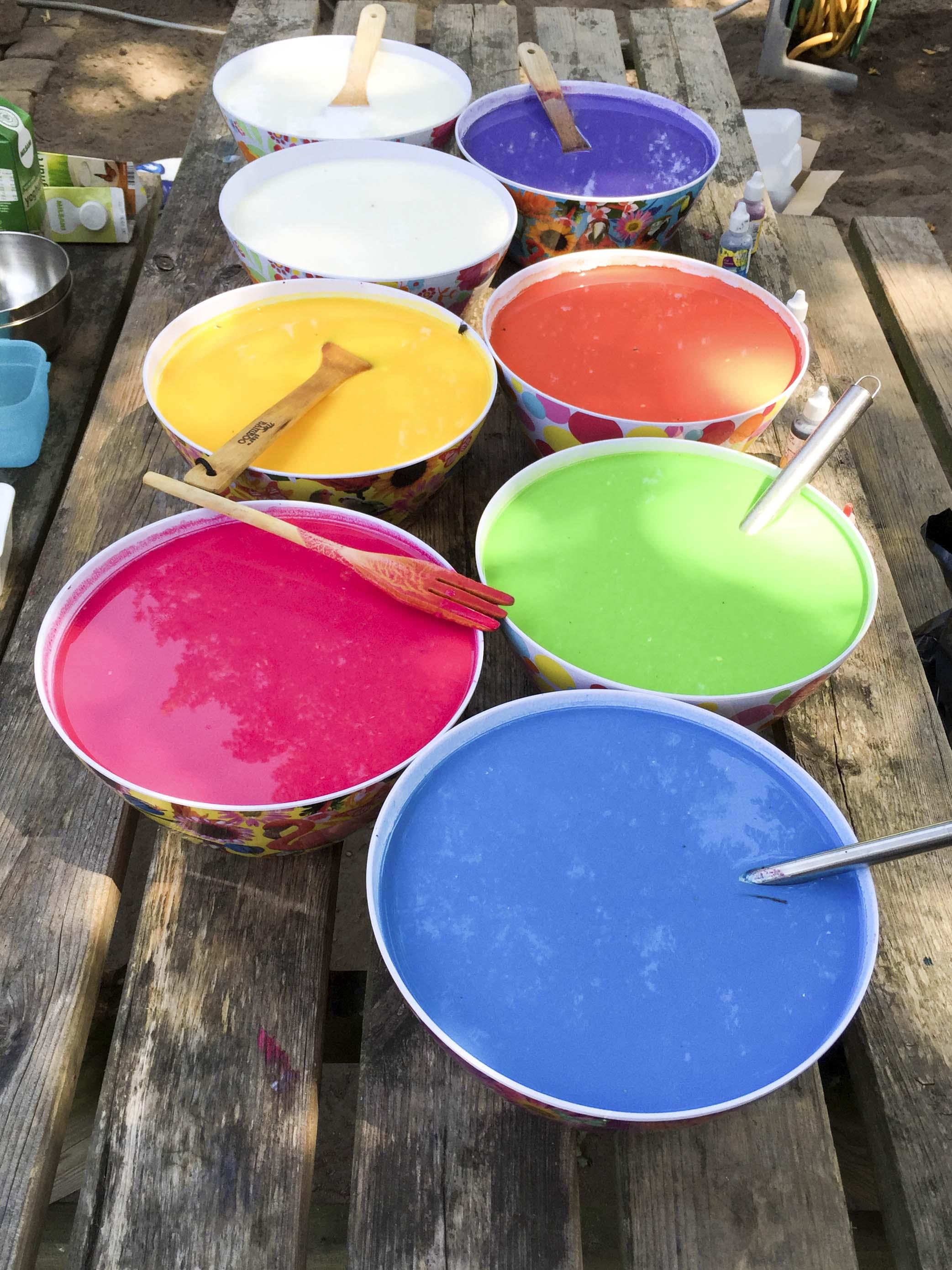 Ad Kleurrijk aan tafel