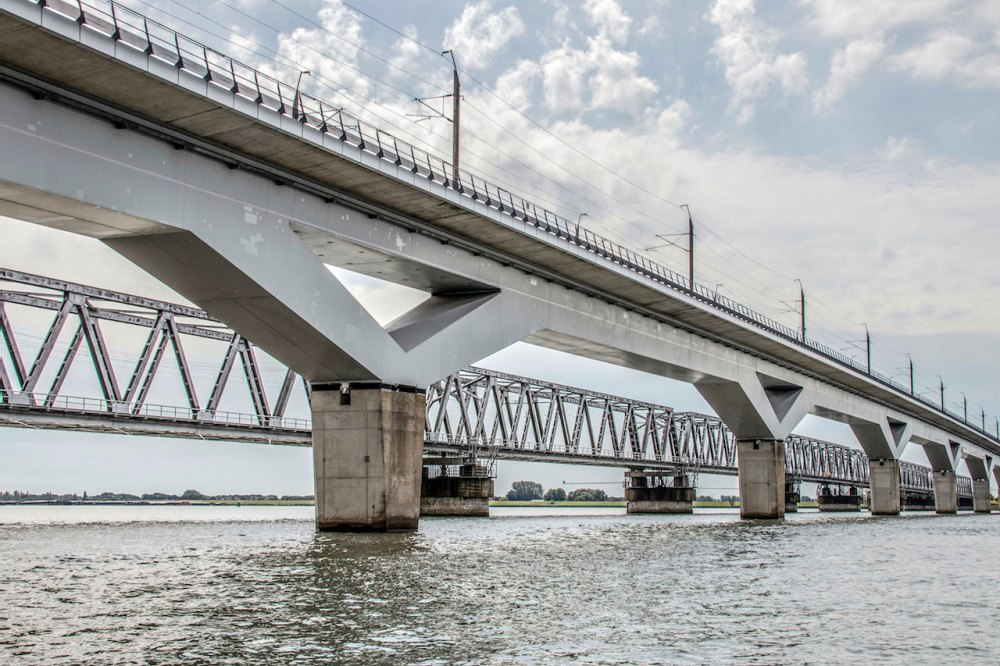 07-EllyL-Moerdijkbruggen