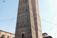 2016-FH-Twin-Towers-Bologna-statisch